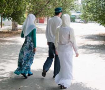 Признания мусульманина-двоеженца шокировали страну