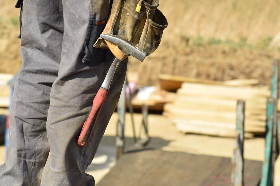 Плюсы подбора и заказа строительных материалов в Сети
