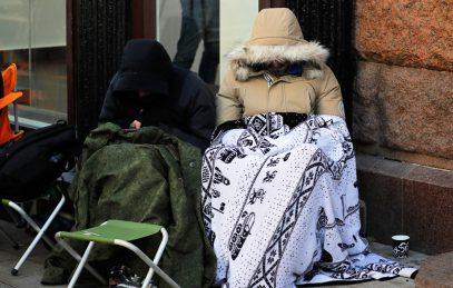 """Муфтий пожалел """"несчастных"""", стоявших трое суток на морозе в очереди за iPhone"""