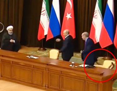 Падающий стул Эрдогана свел с ума противников союза Россия-Турция (ВИДЕО)
