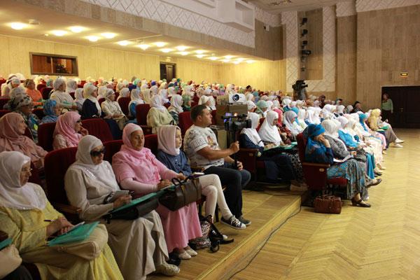 Практика духовной активности мусульманок в России и Центральной Азии