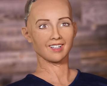 Саудовские женщины взъелись на робота Софию – за что?