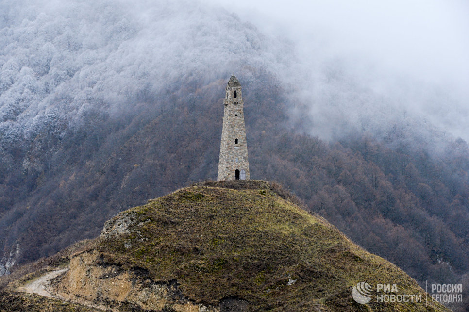 Средневековая башня в Чечне (Фото: РИА Новости)