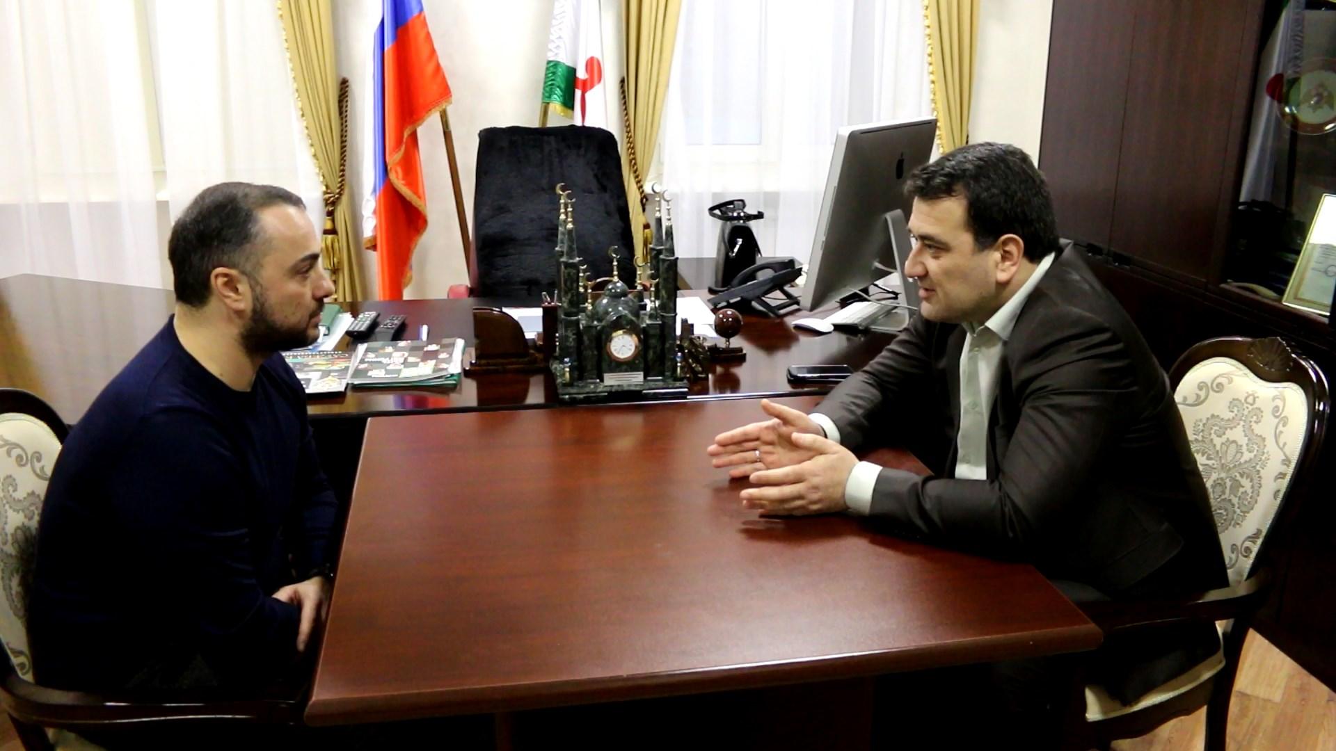 Генеральный директор Comedy Club Production Андрей Левин на встрече с Алиханом Цечоевым