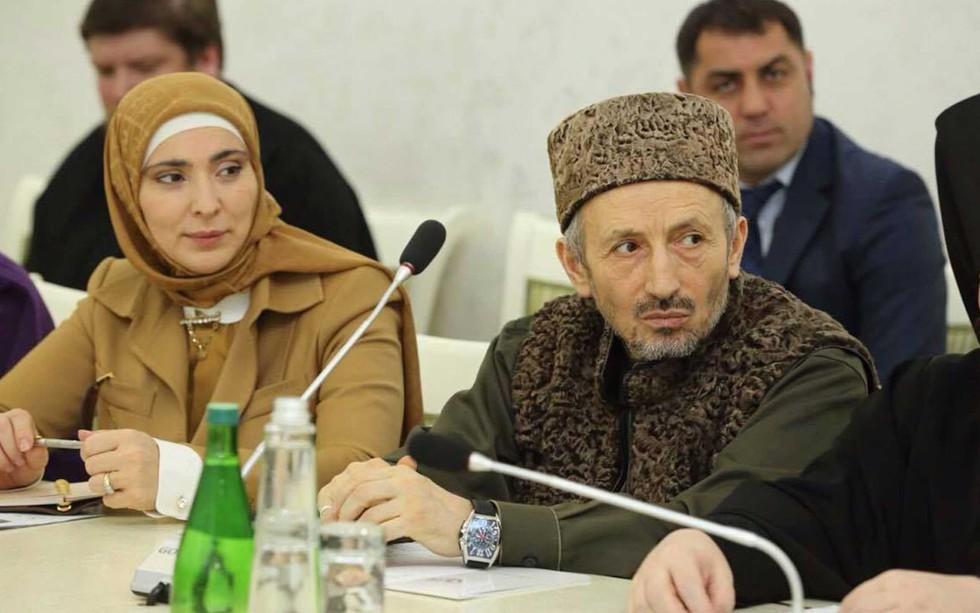 Муфтий РД Ахмад Абдулаев с супругой Айной Гамзатовой