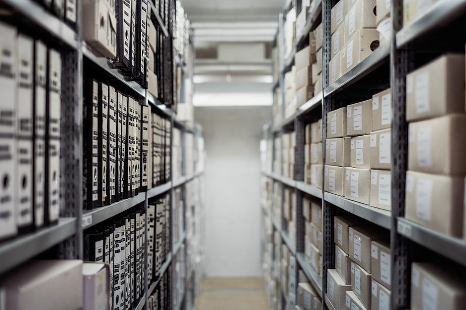 Стеллажи – необходимое оборудование для складской деятельности