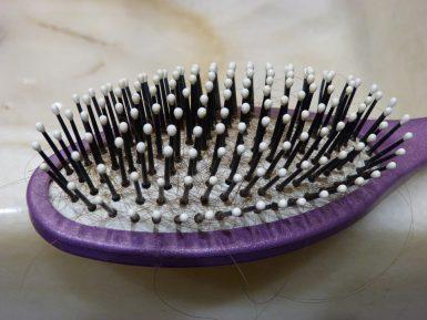 Как предотвратить стремительное и активное выпадение волос?