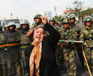 Будни полицейского государства – куда уйгурских мусульман сгоняют тысячами?