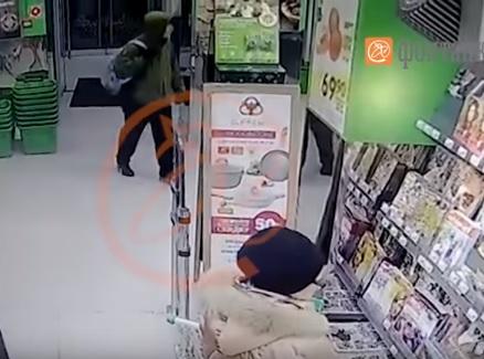 Взорвавший магазин в Петербурге попал на видео