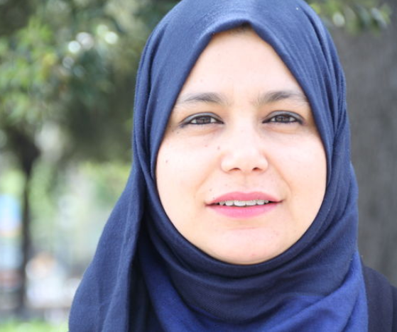 Парламентарий в хиджабе празднует беспрецедентный прорыв