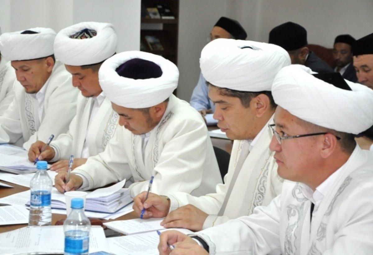 Союз мусульман Казахстана дал поручение имамам поздравить всех с Новым годом
