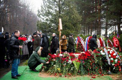 Могут ли родственники-мусульмане участвовать в немусульманских похоронах?