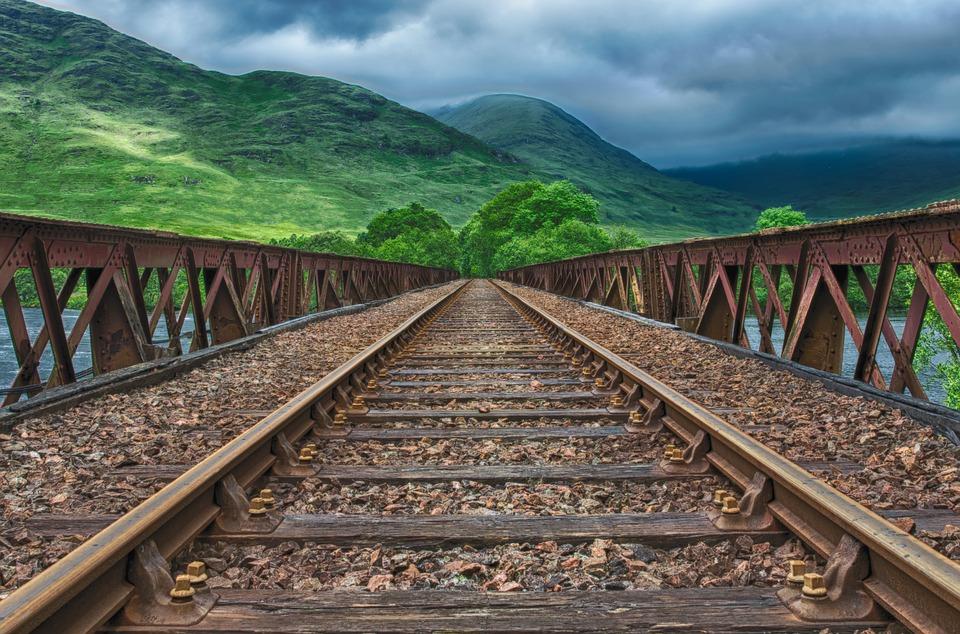 Плюсы выбора перевозки грузов железнодорожным транспортом