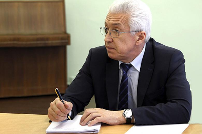 Владимир Васильев подредактировал конституцию Дагестана