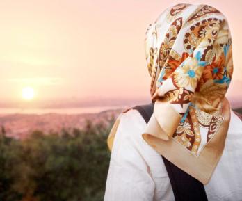 Страна поддержала мусульманку, публично униженную из-за хиджаба