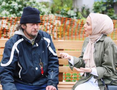 За одним столом с бездомными – о жизни и об Аллахе