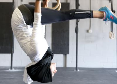 Фитнес-леди в хиджабе ломает стереотипы (ВИДЕО)