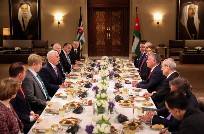 Вице-президент США Пенс проигнорировал позицию иорданского монарха