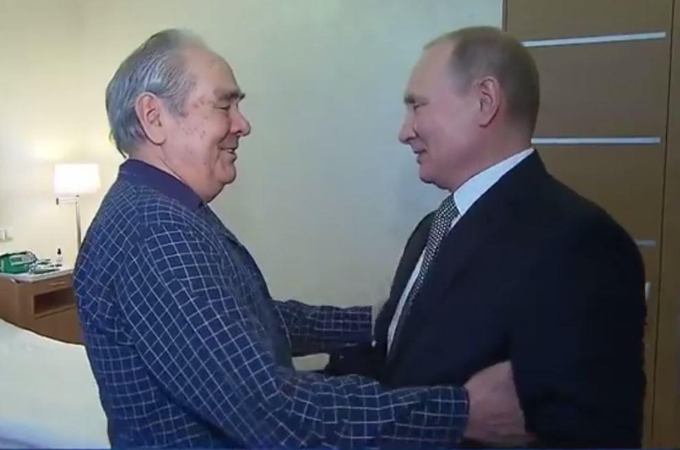 Путин навестил Шаймиева в больнице (ВИДЕО)