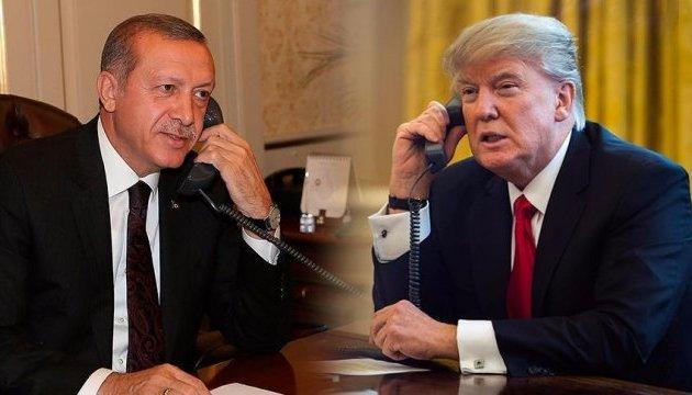 Трамп попытался надавить на Эрдогана по операции в Сирии