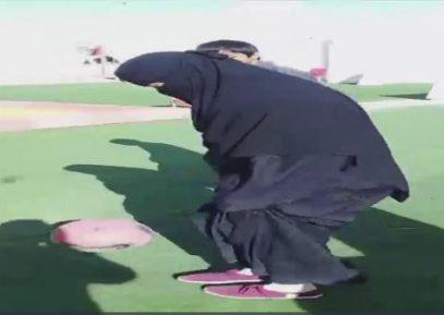 Саудовская футболистка в никабе демонстрирует технику владения мячом (ВИДЕО)