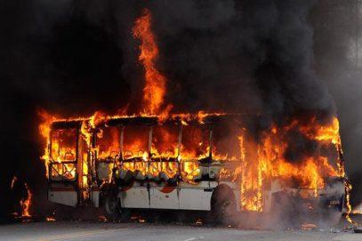 Сгорели заживо. Жертвами жуткого ДТП в Казахстане стали полсотни человек