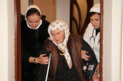 Власти Чечни спасли из ужасающей ситуации 104-летнюю женщину, приехавшую из Иордании
