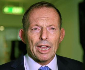 Экс-премьер призвал мусульманок раздеться до бикини
