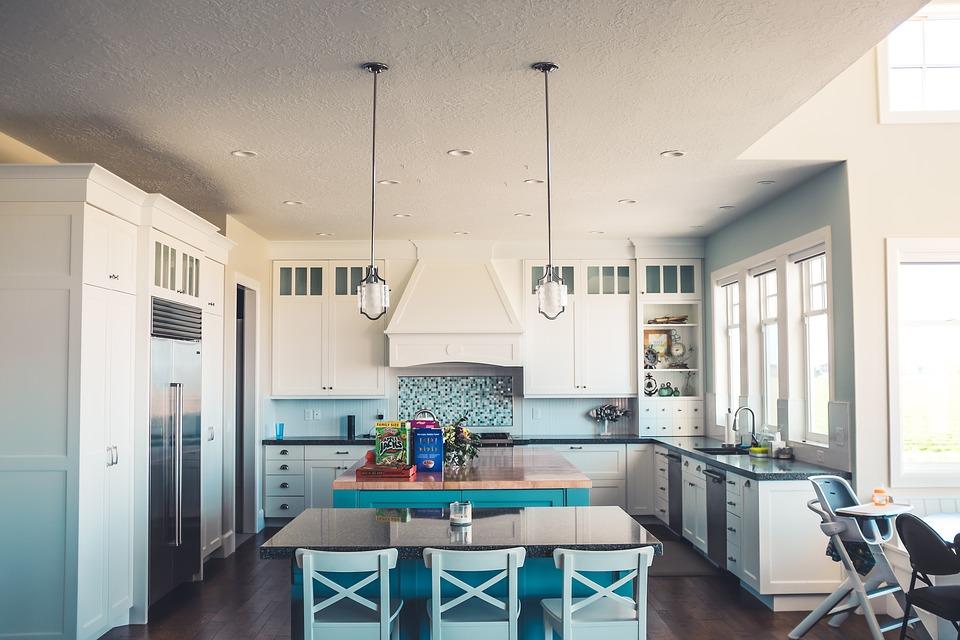 Грамотный подбор мебели для кухонной комнаты