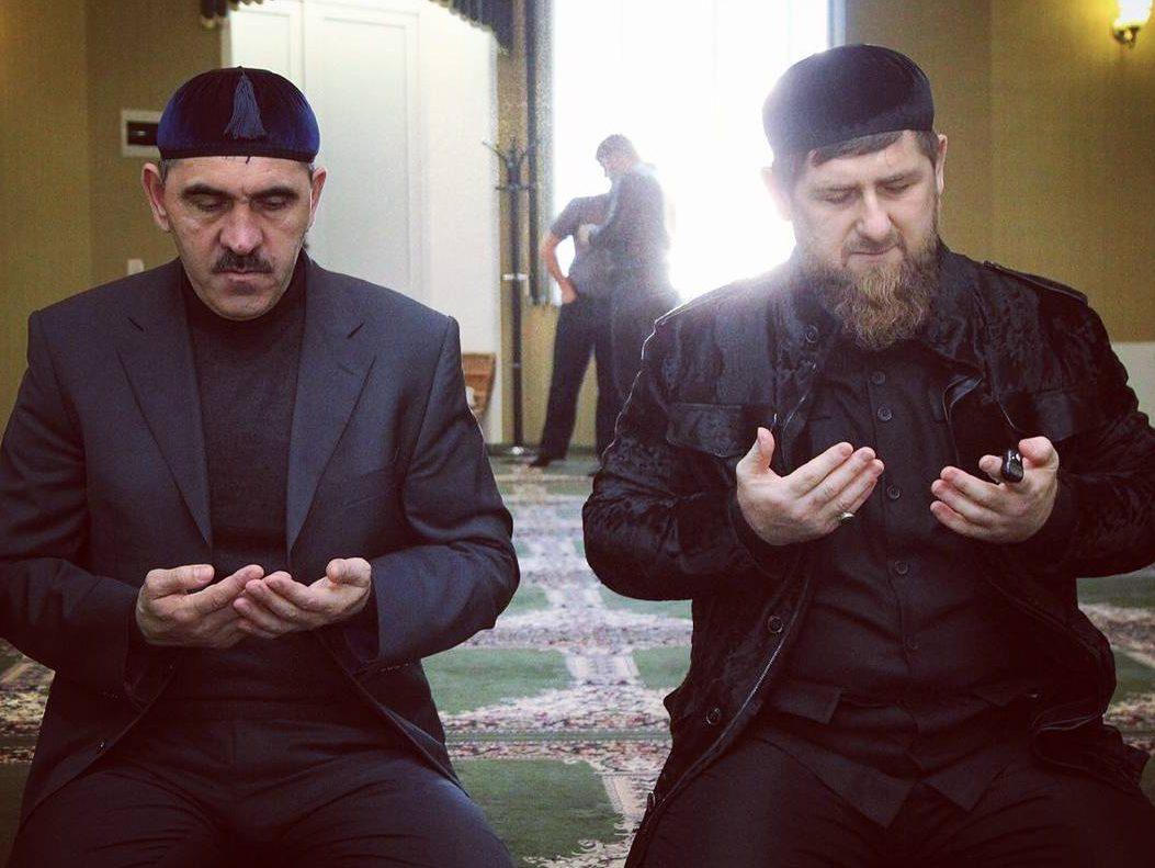 Евкуров обошел Кадырова на фоне адаптации бывших боевиков