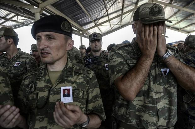 Турецкий военный умер награнице сСирией впроцессе операции вАфрине