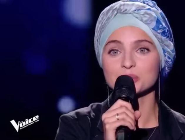 """Девушка в хиджабе произвела фурор на французском шоу """"Голос"""" (ВИДЕО)"""