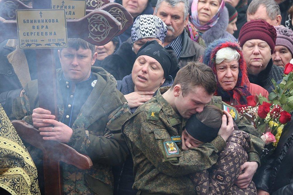 Похороны погибших при нападении на храм. Фото: Саид Царнаев/РИА Новости