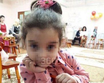 Озвучена предварительная причина смерти малышки, забытой воспитателями на улице