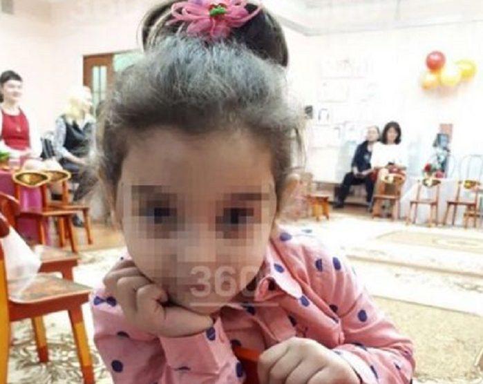 Забытую напрогулке 3-летнюю воспитанницу детсада отыскали  мертвой