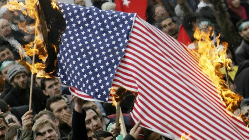 В Турции жестко подавили несанкционированную акцию противников США