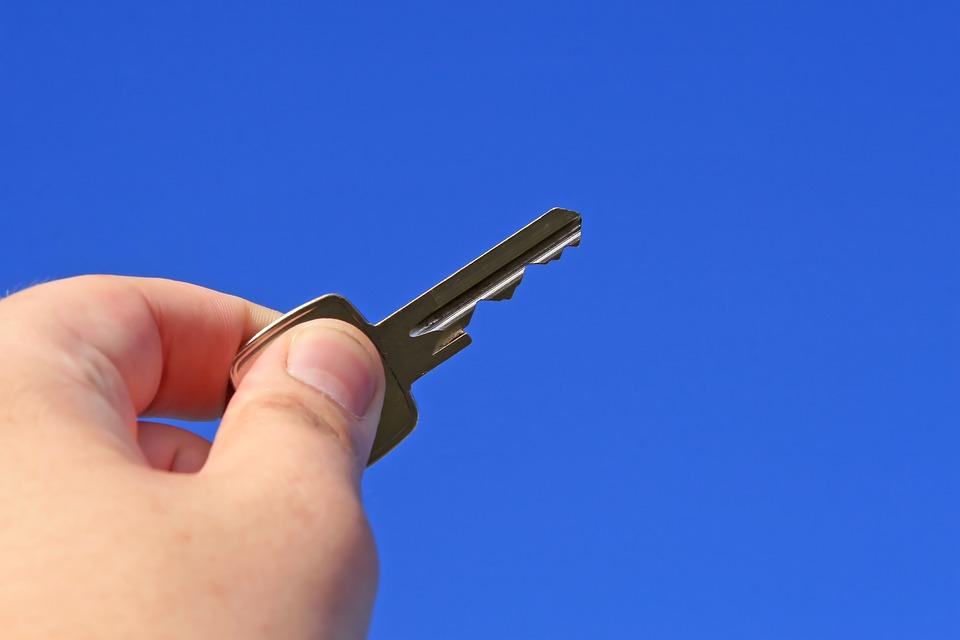 Как легко проводить сделки с жилой недвижимостью?