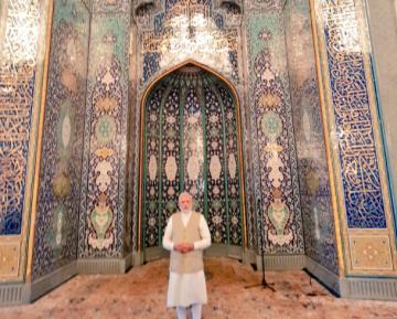 Премьер-националист восхитился величием дома Аллаха