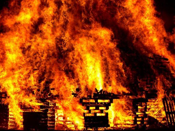 Под Самарой отец напился и заживо сжег своих детей