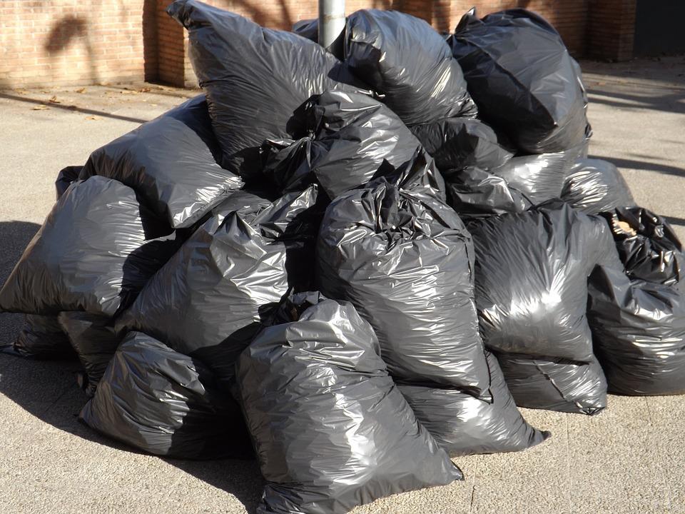 Что стоит знать о применении мешков для мусора?
