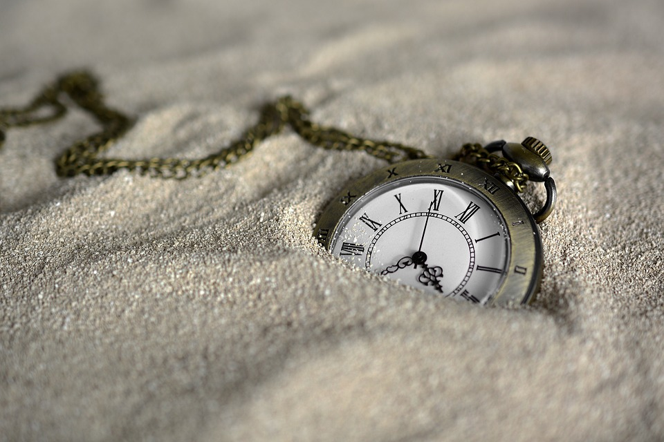 История о часах – как купить часы и повлиять на жизнь подчиненных!
