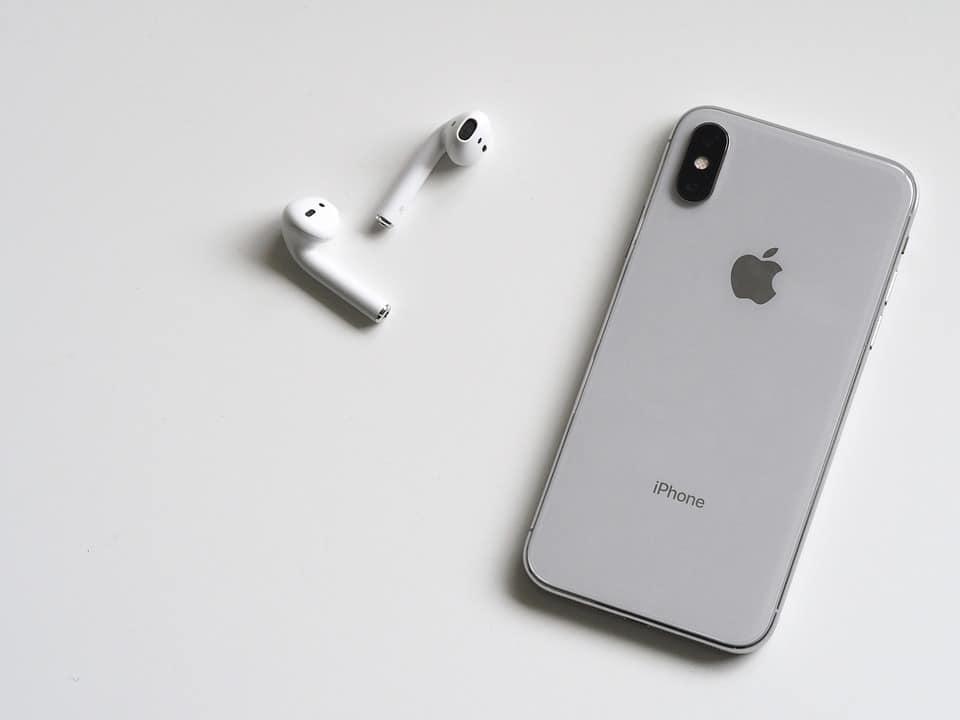 Где можно заказать смартфоны от Apple?