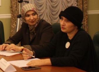 Айна Гамзатова и Галина Хизриева