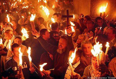 Священник развеял мистику вокруг благодатного огня
