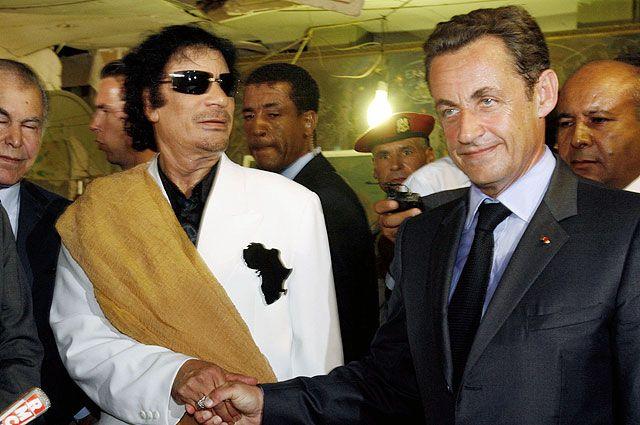 Муаммар Каддафи и Николя Саркози в Триполи