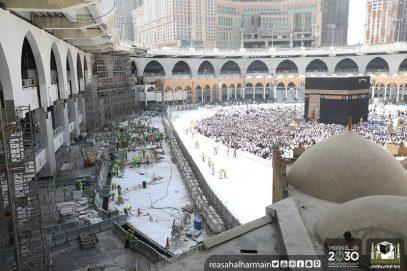 В главной мечети мусульман заканчивается реконструкция площадки для тавафа (ФОТО, ВИДЕО)