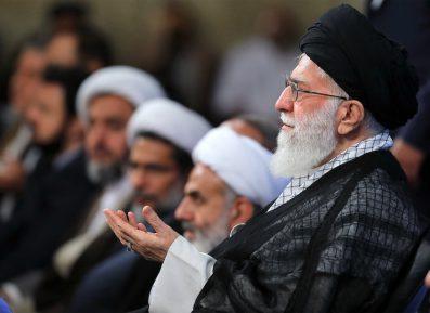Духовные скрепы разоряют Иран. Ахмадинежад выступил с резкой критикой клерикалов