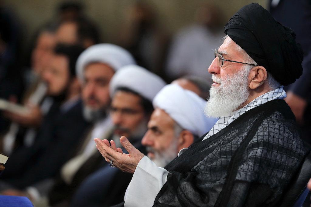 Иранские муллы - привилегированное сословие в Иране