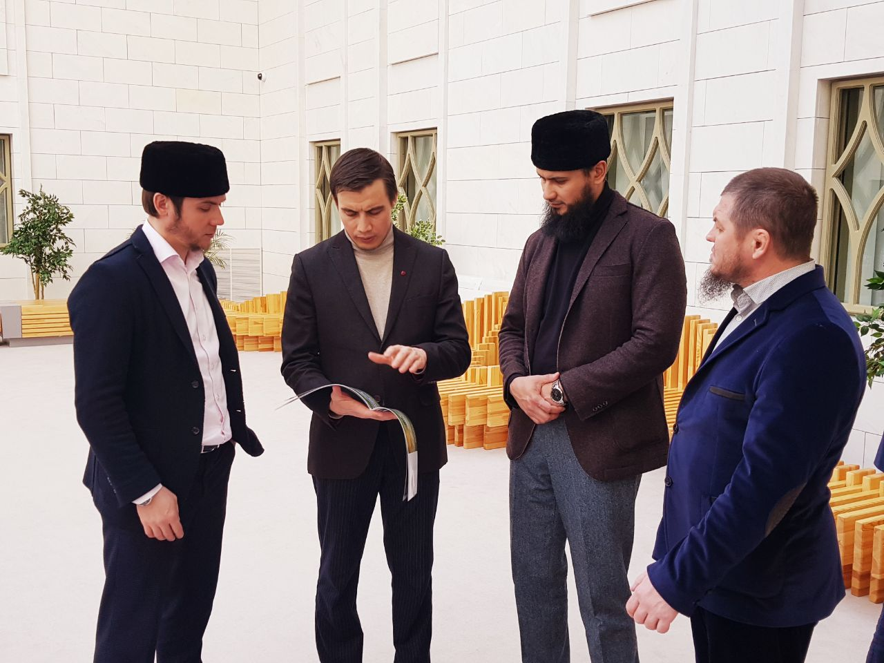 Делегации мусульман Мордовии во главе с муфтием презентуют Болгарскую академию