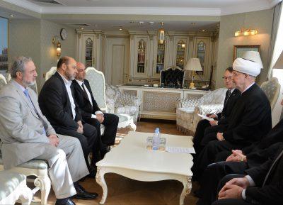 Лидеры ХАМАС помолились в московской мечети за жертв пожара в Кемерово